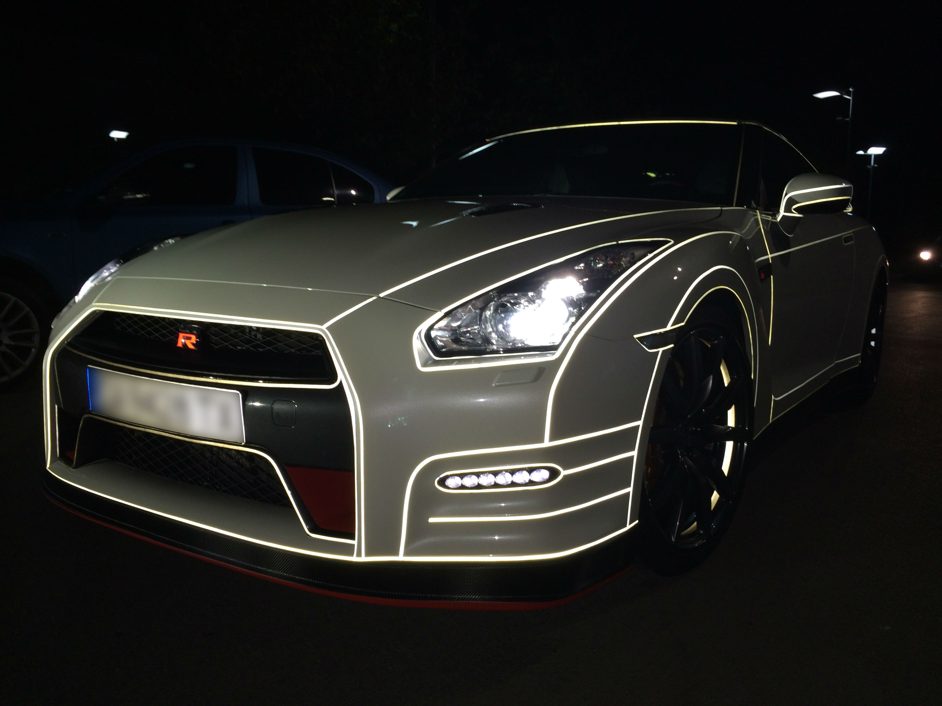 The Tron Project On Nissan Gtr Carbon Bg